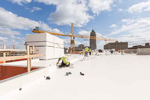 commercial-roofing-contractors-in-Detroit-Michigan