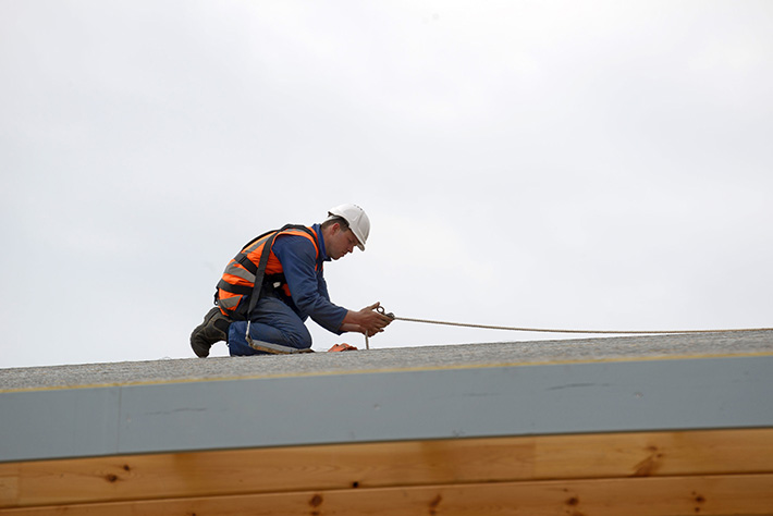 signs-of-commercial-roof-replacement-MI-roofing-contractors